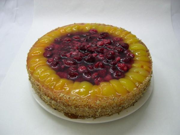 Aprikosen-Himbeer-Torte